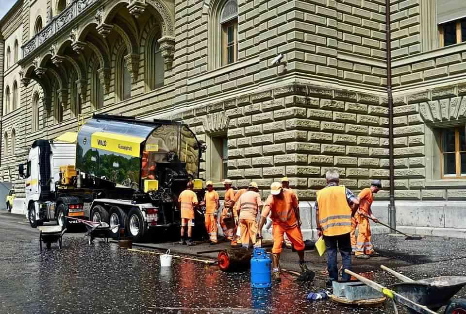 bitumen asphalt workers
